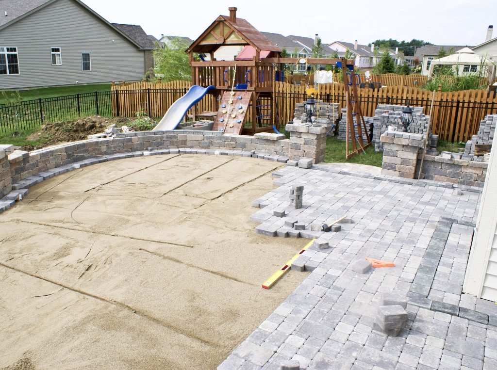 patio pavers laying brick