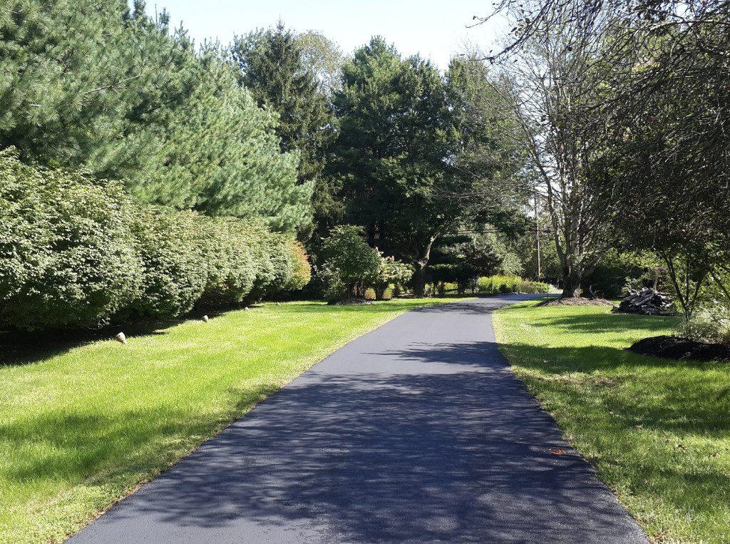 private asphalt driveway installation