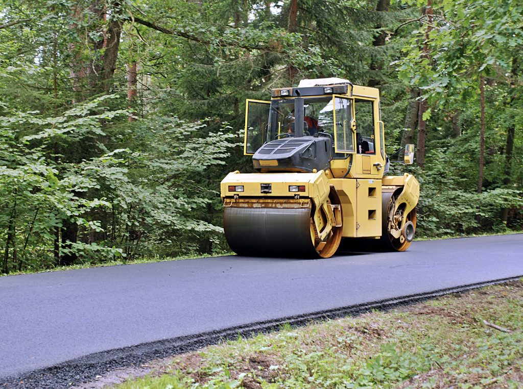 private driveway asphalt paving