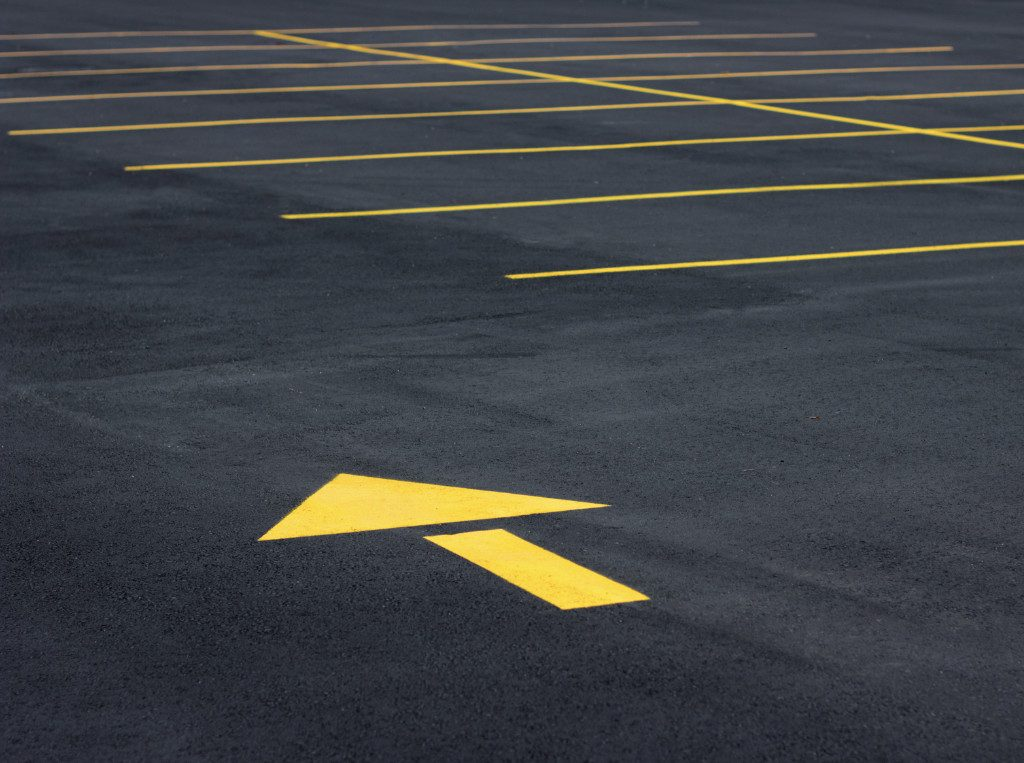 yellow parking lot line striping